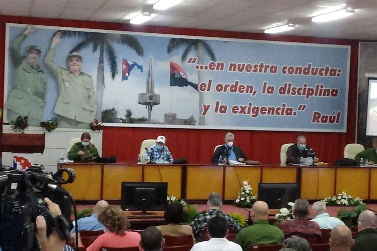 Analiza presidente de Cuba situación en región central del país