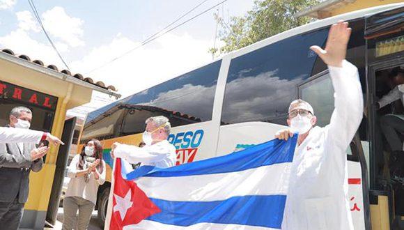 Medicos llegada 580x330