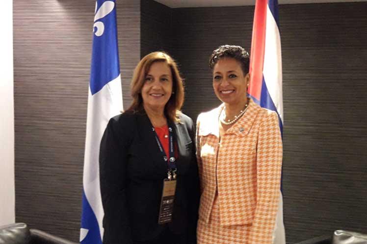 Nadine Girault y Elba Rosa Perez