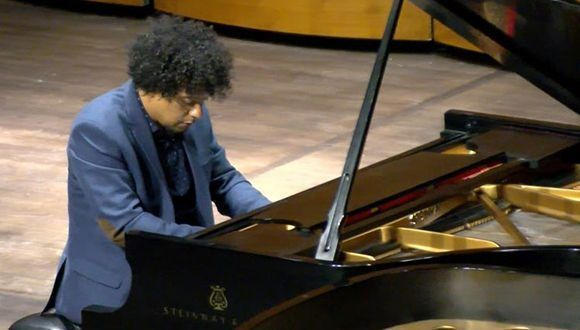 aldo lopez gavilan en el kennedy center 01 580x330