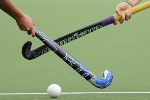 baston y pelota hockey