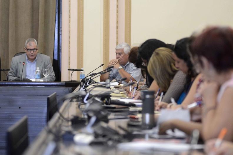 parlamentarios cubanos homero acosta foto ariel ley
