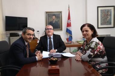 Cuba suscribe convenio con organismo financiero de ONU