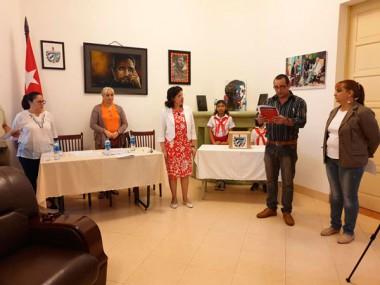 Cubanos de misión en el exterior participan en referendo constitucional