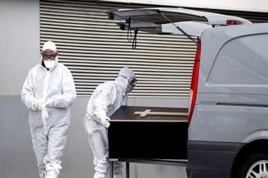 España declara luto oficial por las más 26 mil 800 víctimas de la Covid-19