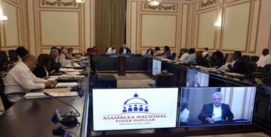 Aprueba Consejo de Estado cubano decretos leyes sobre telecomunicaciones, empresas estatales y seguridad social