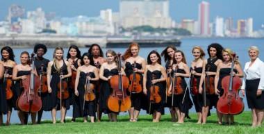 La prestigiosa agrupación con su bella Habana, de fondo. Foto: Archivo