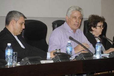 Presidente de Cuba ratifica apuesta por gobierno electrónico