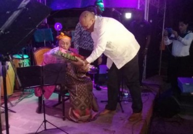 Omara Portuondo y la Orquesta Faílde