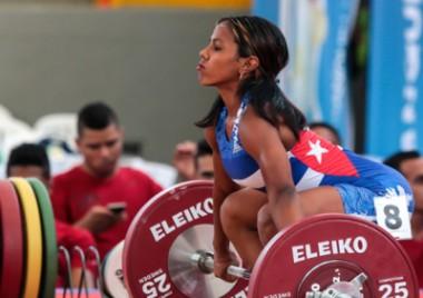 Ludia Montero, tres oros y récord en Panamericano de Pesas