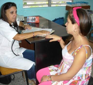 Doctora de familia. Foto: Olga Lilia Vilató de Varona/Adelante/ Archivo