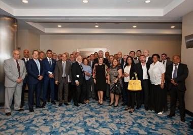 El presidente Díaz-Canel se reúne en Argentina con una representación de empresarios, que apuestan por el fortalecimiento de las relaciones mutuas. Foto: Alejandro Azcuy/Cubadebate.