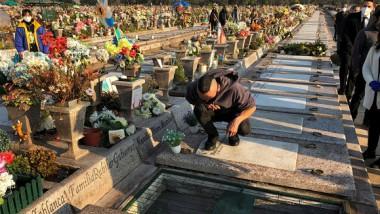 Entierro de un señor de 92 años que falleció por coronavirus, Santiago, Chile, 2 de julio de 2020. Foto: Ivan Alvarado / Reuters.