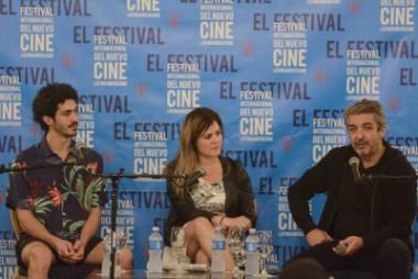 Actores de la comedia melodramática argentina La Odisea de los Giles, Ricardo Darín y su hijo.