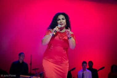 La cantante peruana Eva Ayllón