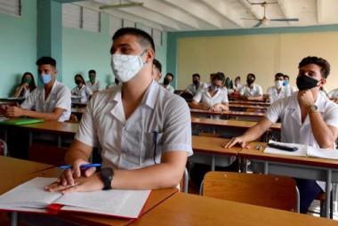 Estudiantes de preuniversitario