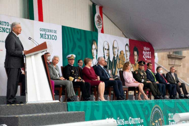 ceremonia por el 211 aniversario del Grito de Dolores