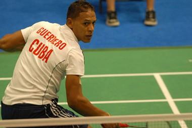 Badmintonista cubano debuta en torneo de México