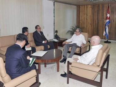 Reciben Raúl y Díaz Canel al Vicepresidente del Comité Central del Partido del Trabajo de Corea